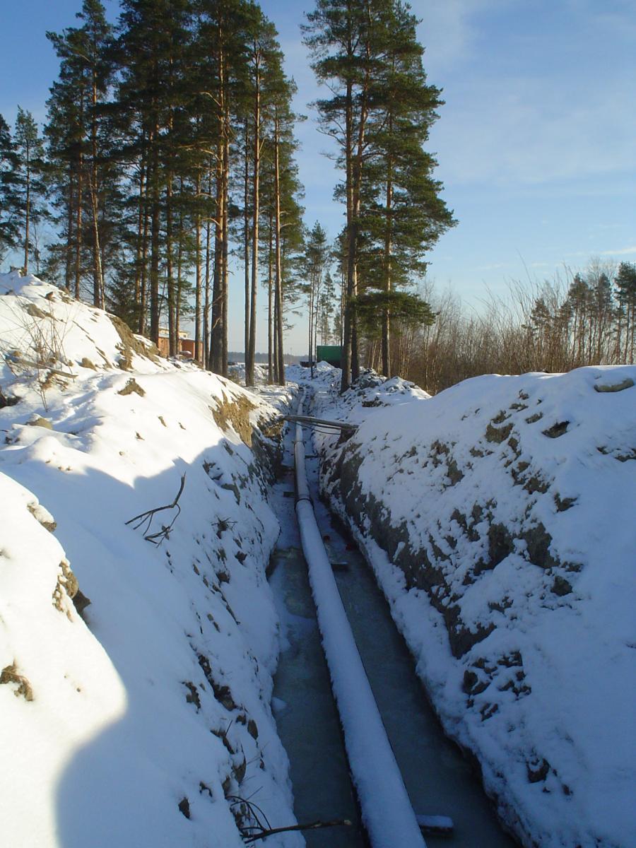 Här dras röret till Agrimarket och brandstation under vintern 2007